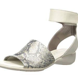 The Flexx Women's Beglad Wedge Sandal snakeskin